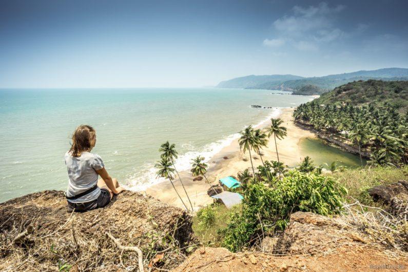Вид на пляж Кола, недалеко от Палолема. Южное Гоа