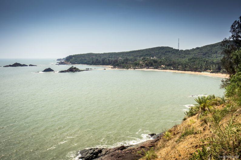 Пляж Ом, по форме напоминающий одноименный символ - ॐ Гокарна