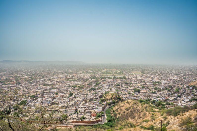 Вид на Джайпур с храма на холме