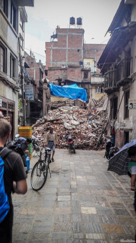 Катманду, руины обрушившегося дома