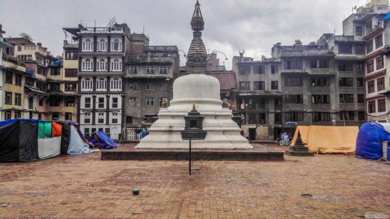 Катманду, палаточный лагерь вокруг ступы