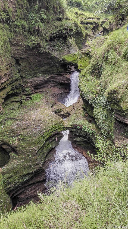 Покхара, Водопад Деви