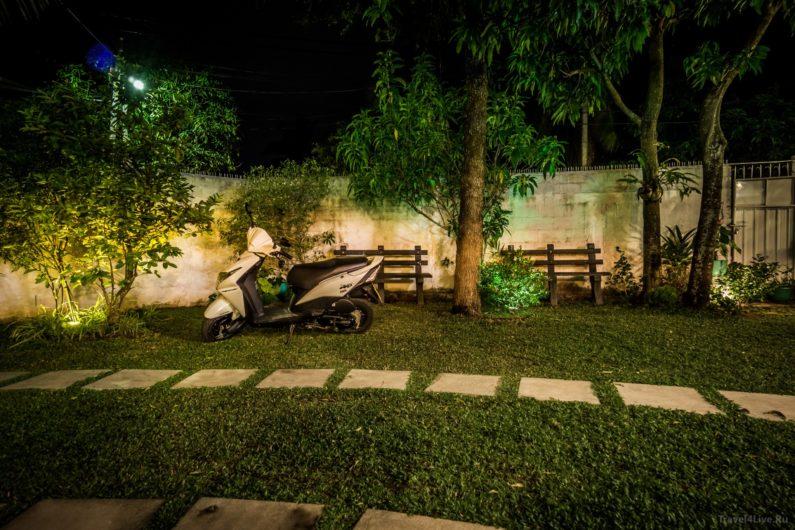 Наш арендованный скутер Honda Dio Шри Ланка