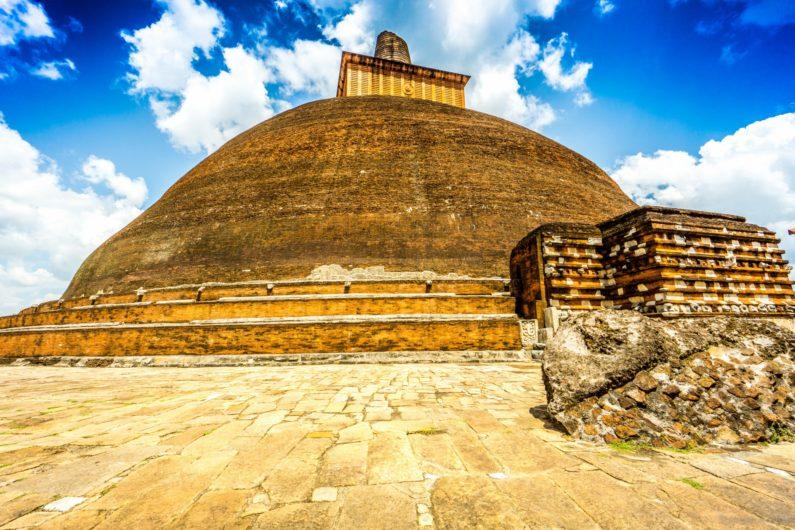 Анурадхапура - древний священный город Шри Ланки. Что посмотреть? Достопримечательности.