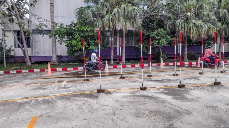 Сдача практического экзамена на тайские права